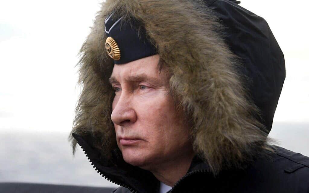 פוטין צופה בתרגיל צבאי של הצי הרוסי ליד קרים, ינואר 2020 (צילום: Alexei Druzhinin, Sputnik, Kremlin Pool Photo via AP)