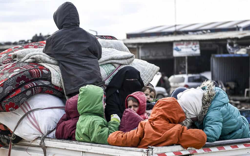 פליטים סורים מאידליב, פברואר 2020 (צילום: AP)