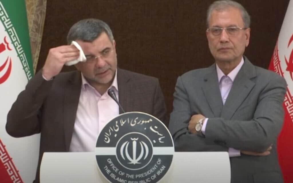 ראש כוח המשימה האיראני למאבק בקורונה (משמאל), שחלה בעצמו בנגיף (צילום: APTN via AP)