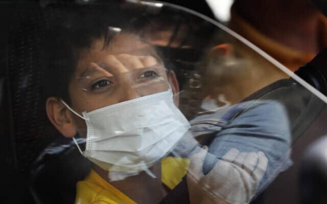בהלת קורונה במקסיקו, פברואר 2020 (צילום: AP Photo/Marco Ugarte)