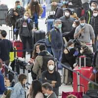 משבר הקורונה: נמל התעופה JFK בניו יורק, 24 במרץ 2020 (צילום: AP Photo/Mary Altaffer)