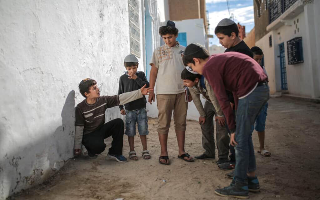 הקהילה היהודית של ג'רבה, ארכיון, 2015 (צילום: AP Photo/Mosa'ab Elshamy)