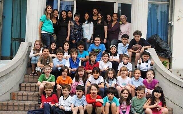 """בית הספר חב""""ד בשנחאי כולל יותר מ-70 תלמידים (צילום: באדיבות חב""""ד שנחאי)"""