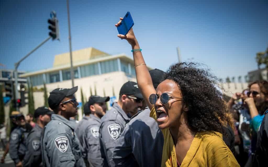 מחאת יוצאי אתיופיה נגד אלימות המשטרה (צילום: Yonatan Sindel/Flash90)