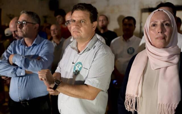 אימאן חטיב-יאסין לצד איימן עודה בארוע בחירות של הרשימה המשותפת בתל אביב. 20 באוגוסט 2019 (צילום: גילי יערי/פלאש90)