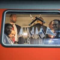 שר החוץ ישראל כץ ושר התחבורה סמוטריץ' בנסיעת מבחן ברכבת (צילום: Yonatan Sindel/Flash90)