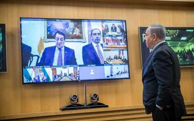 בנימין נתניהו בדיון עם ראש מדינות בנושא התפרצות הקורונה, 9 במרץ 2020 (צילום: יונתן זינדל/פלאש90)
