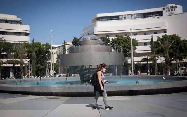 אפקט הקורונה: כיכר דיזנגוף בתל אביב שוממת (צילום: Miriam Alster/Flash90)