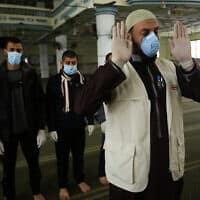 משבר הקורונה: תפילה ברצועת עזה, מרץ 2020 (צילום: bed Rahim Khatib/Flash90)