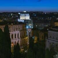 מבט מבחוץ על בית הכנסת הגדול ברומא (צילום: Courtesy)