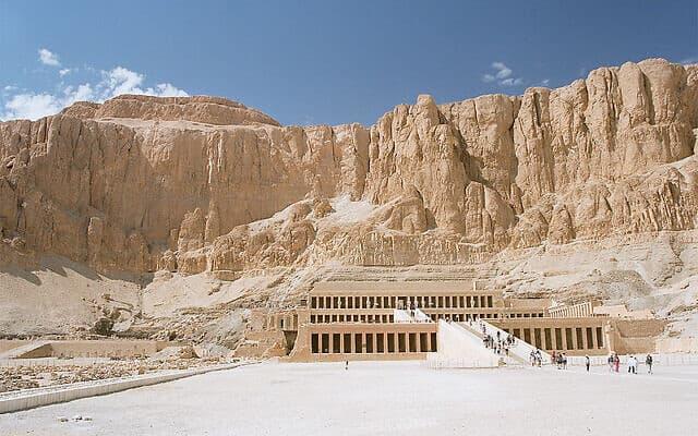 מקדש חתשפסות