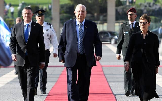 נשיא המדינה ראובן ריבלין ויו״ר הכנסת יולי אדלשטיין מגיעים לטקס פתיחת הכנסת ה-23. 16 במרץ 2020 (צילום: חיים צח/לע״מ)