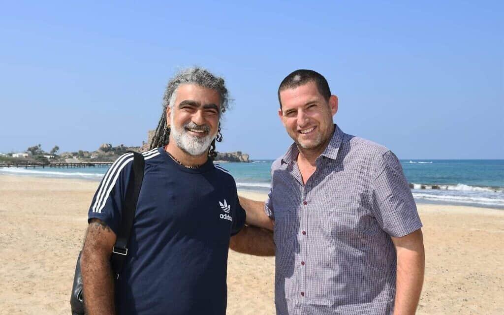 ראש המועצה אסיף איזק ומוש בן-ארי (צילום: (מתוך עמוד הפייסבוק של המועצה האזורית חוף הכרמל))