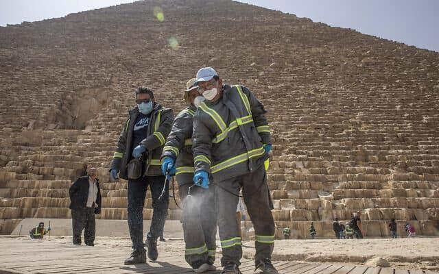מגפת הקורונה במצרים, מרץ 2020 (צילום: AP Photo/Nariman El-Mofty)