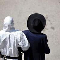 אכיפת תקנות הקורונה בבני ברק (צילום: AP Photo/Ariel Schalit)