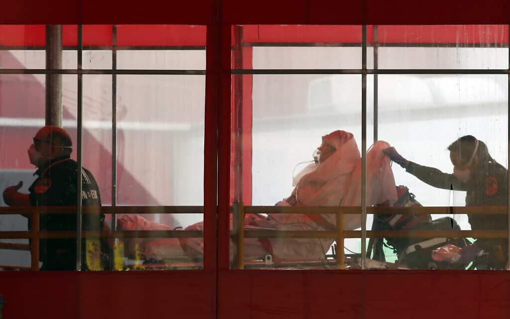 מגפת הקורונה בניו יורק (צילום: AP Photo/Kathy Willens)