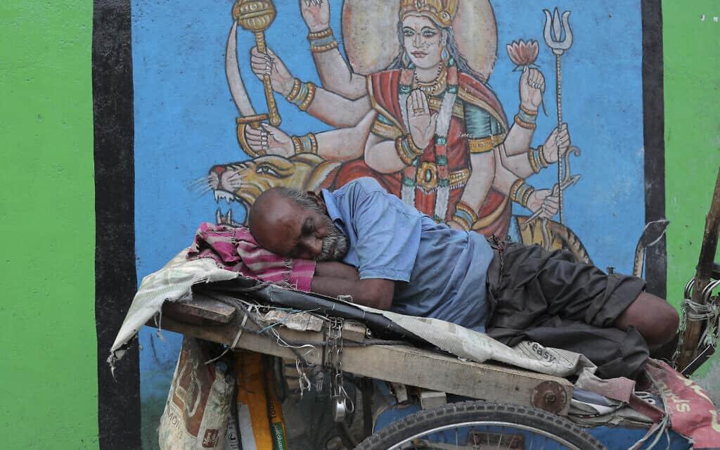 מגפת הקורונה בהודו (צילום: AP Photo)