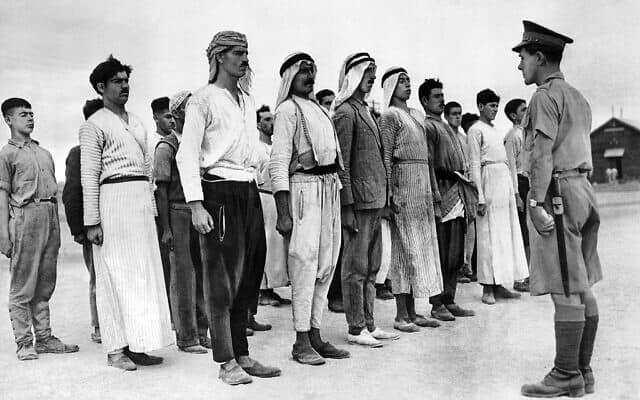 מתגייסים חדשים ללגיון הערבי בצבא הבריטי, דצמבר 1940 (צילום: AP)