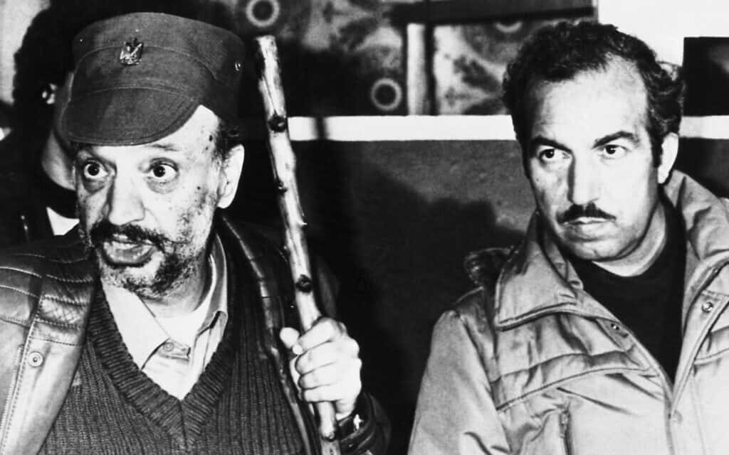 יאסר ערפאת ואבו ג'יהאד (מימין), 1983 (צילום: AP Photo/Jacques Langevin)