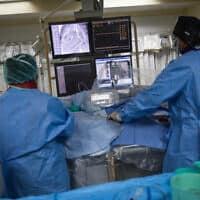 המרכז הרפואי וולפסון בחולון, ארכיון; למצולמים אין קשר לדיווח (צילום: הדס פרוש, פלאש 90)