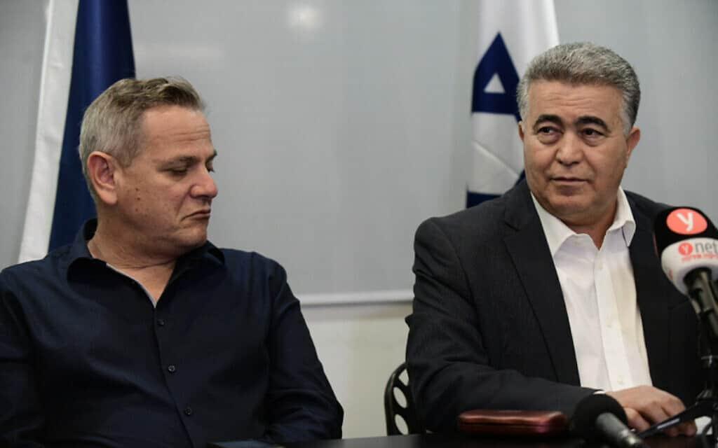 פרץ (מימין) והורוביץ בתל אביב, 12 במרץ 2020 (צילום: תומר נויברג, פלאש 90)