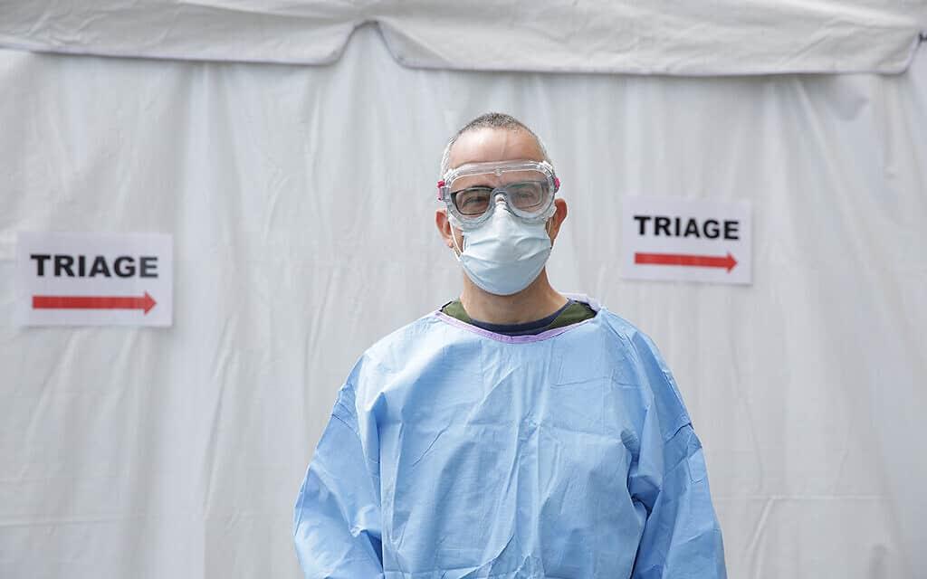 """ד""""ר איתן דיקמן, סגן מנהל חדר מיון במרכז הרפואי מיימונידס בברוקלין, ניו יורק (צילום: לוריין קריטה)"""