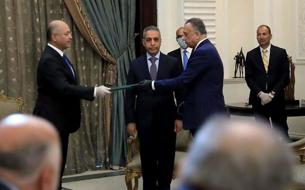 מצטפא אלכאט'מי מושבע כמועמד לראשות ממשלת עיראק (צילום: משרד התקשורת הנשיאותי העירקי)