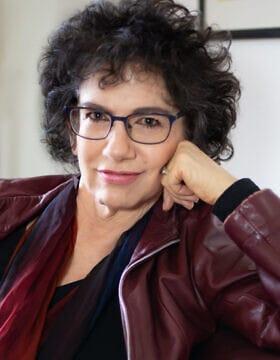 """סוזן נימן, מחברת הספר """"ללמוד מהגרמנים: גזע וזיכרון הרוע"""" (צילום: Courtesy/סינדי-קניג)"""