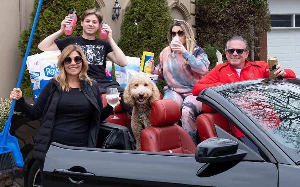 משפחת מארשל, בצילום של אליוט סילמן באפריל 2020 (צילום: Courtesy)