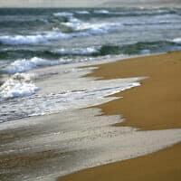 חוף המבצר בעתלית (צילום: Doron Horowitz/Flash90)