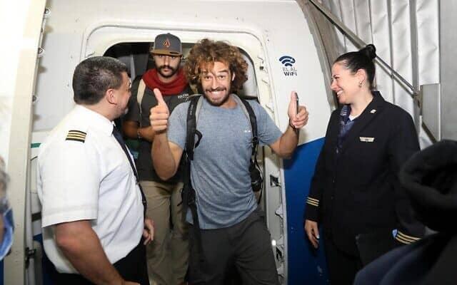 תרמילאי ישראלי נוחת בארץ מלימה, פרו, במרץ 2020 (צילום: סיון פאראג׳)