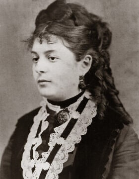 תרז ברוך (1851, גיורסיגט – 1938, בודפשט), בסביבות 1870, התקופה שבה החלה לכתוב את מחברת המתכונים שלה (צילום: באדיבות CEU Press)