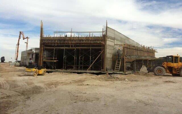 העבודות להקמת המוזיאון, מתוך האתר של דניה סיבוס (צילום: דניה סיבוס)