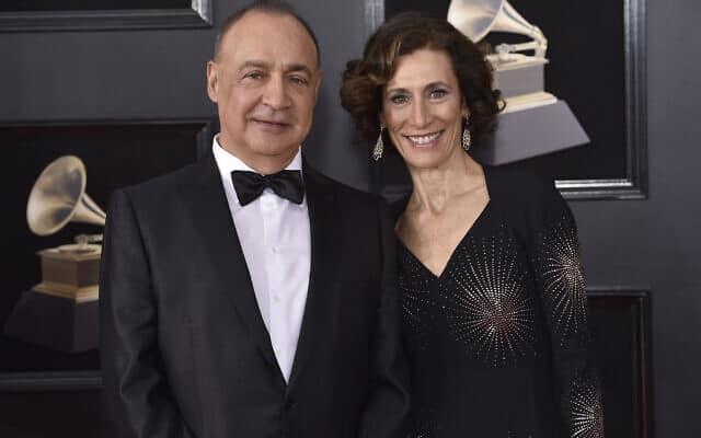 לן בלווטניק ורעייתו בטקס פרסי הגראמי. ניו יורק 2018 (צילום: (Photo by Evan Agostini/Invision/AP))