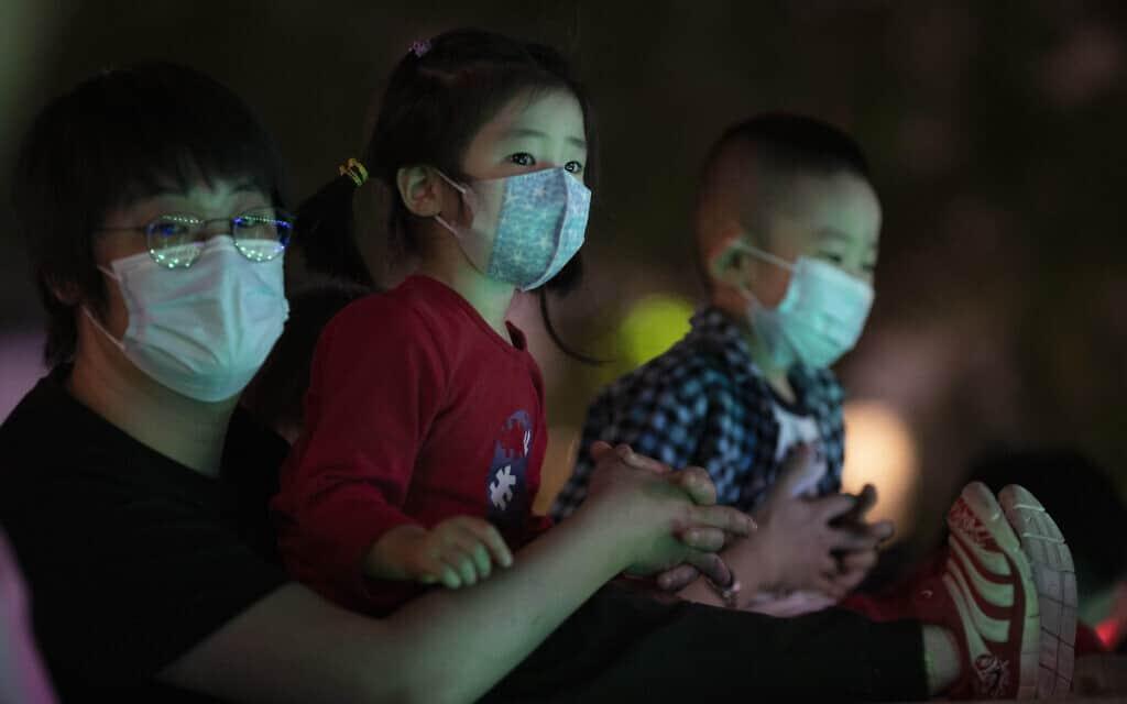 עידן הקורונה בסין, אילוסטרציה, מאי 2020 (צילום: AP Photo/Ng Han Guan)