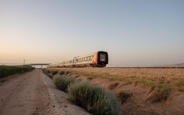 רכבת ישראל. מדווח לבורסה מאז 2015 (צילום: Mila Aviv/Flash90)