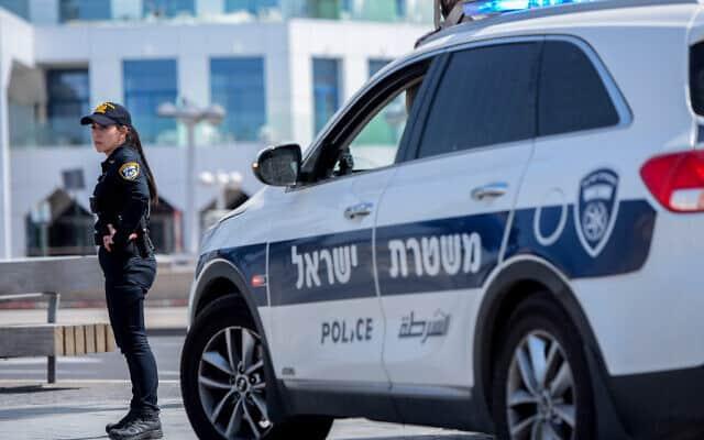 אכיפה של סגר הקורונה על ידי משטרת ישראל. מרץ 2020 (צילום: Avshalom Sassoni/Flash90)