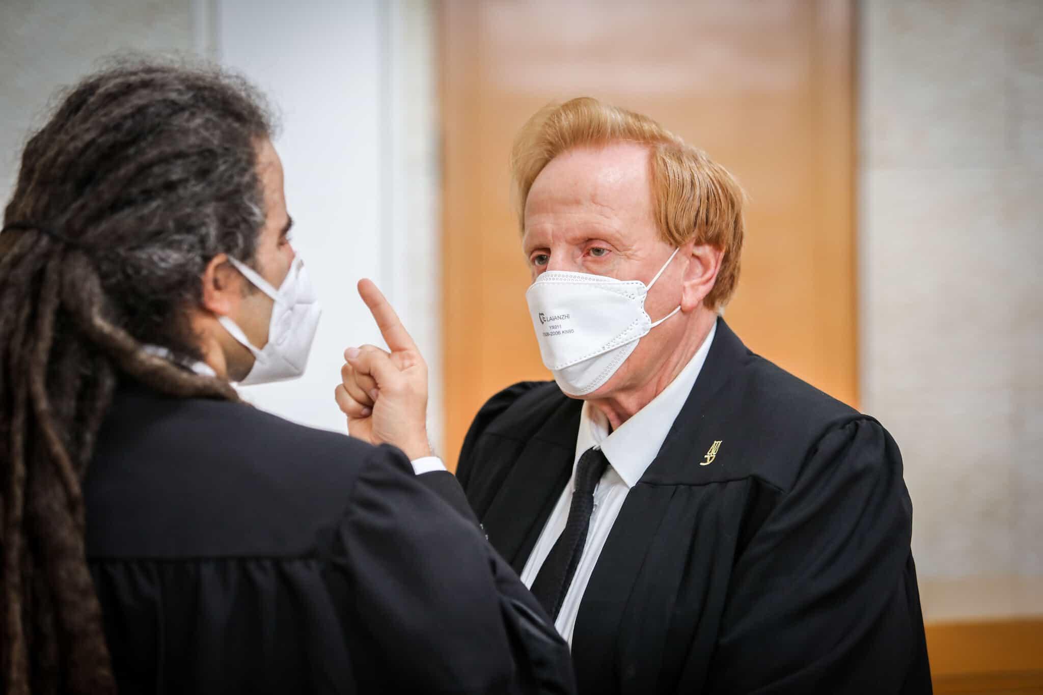 אליעד שרגא ותומר נאור מהתנועה לאיכות השלטון, בדיון בבית המשפט העליון (צילום: Oren Ben Hakoon/POOL)