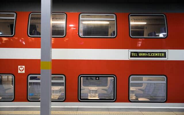 משבר הקורונה: תחנת הרכבת החדשה בירושלים ריקה (צילום: Olivier Fitoussi/Flash90)