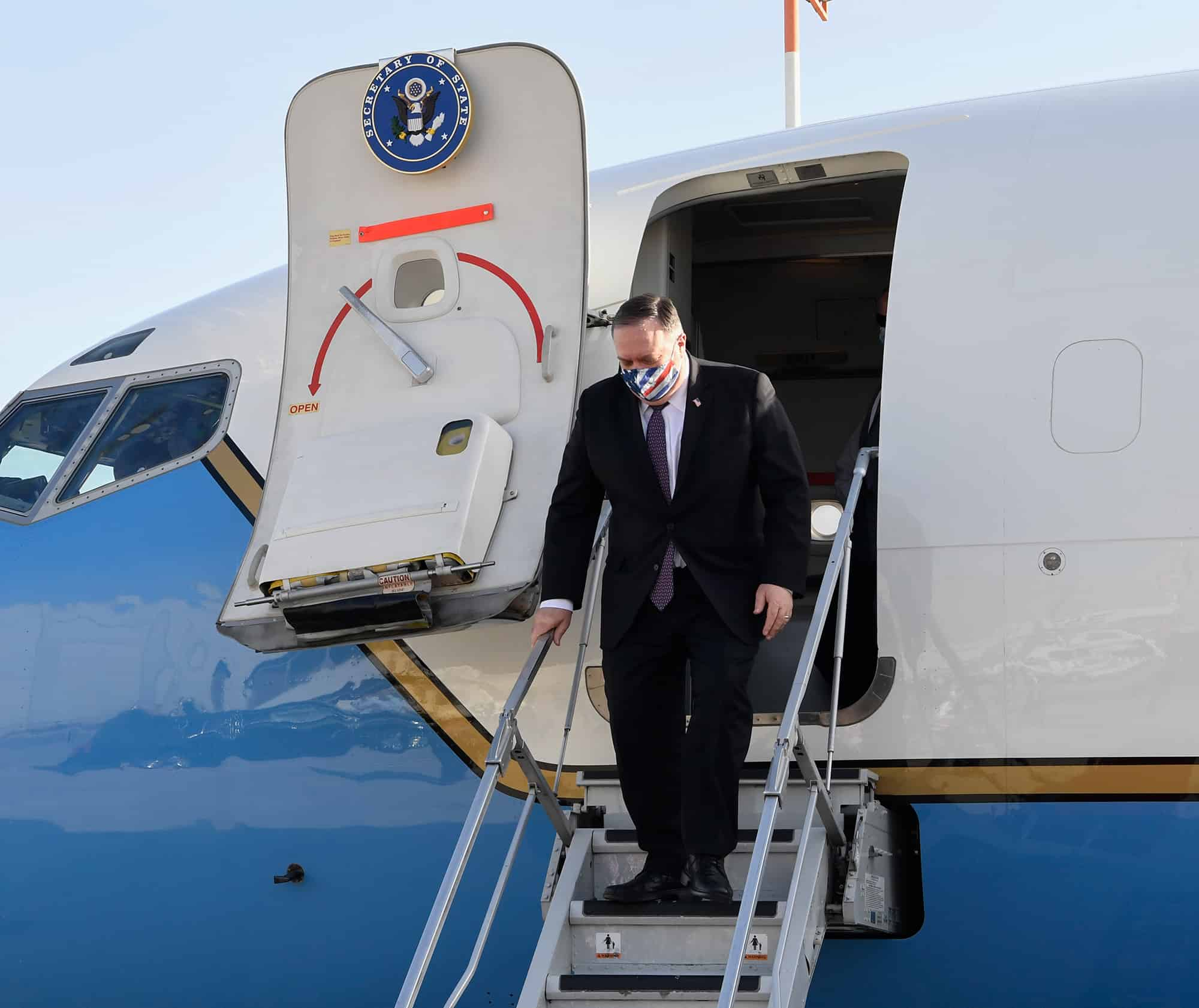 מזכיר המדינה האמריקאי, מייק פומפאו,נחת בישראל. אפריל 2020 (צילום: Flash90)