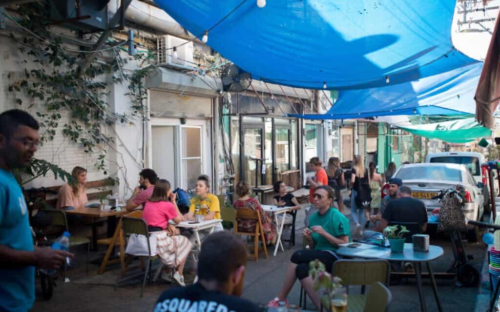 מסעדה בתל אביב (צילום: Flash90/מרים אלסטר)