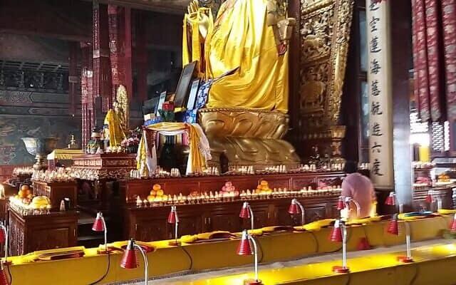 מקדש בודהיסטי בשנגחאי (צילום: יפעת פרופר)