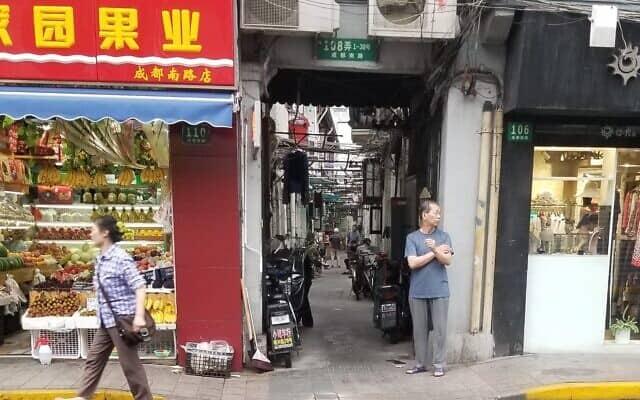 שכונת מגורים בשנגחאי. מרץ 2020 (צילום: יפעת פרופר)