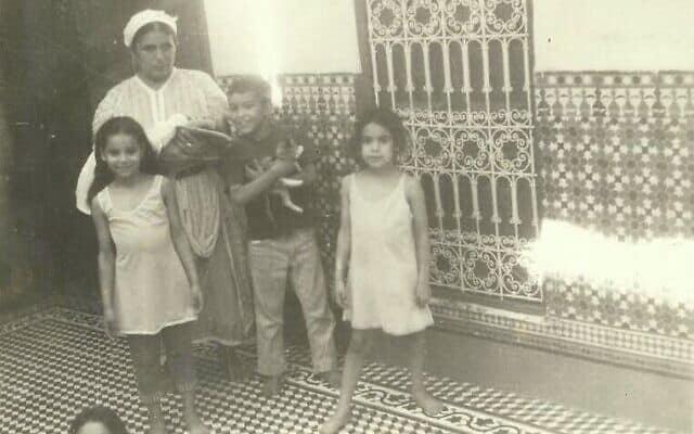 נדיה דוקאלי בתור ילדה במרוקו (צילום: באדיבות נדיה דוקאלי)