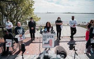 באירוע של @ReopenNY שמחה מינקוביץ מפצירה במושל ניו יורק, אנדרו קואומו, לאפשר לעסקים קטנים לפתוח את שעריהם (צילום: נפתלי מריסואו)