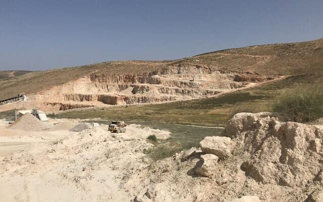 מחצבת כוכב השחר בגדה המערבית (צילום: אמיר בן-דוד)