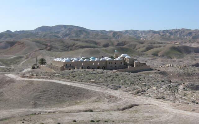 מבט על נבי מוסא מדרום-מזרח (צילום: Ori/Wikipedia)