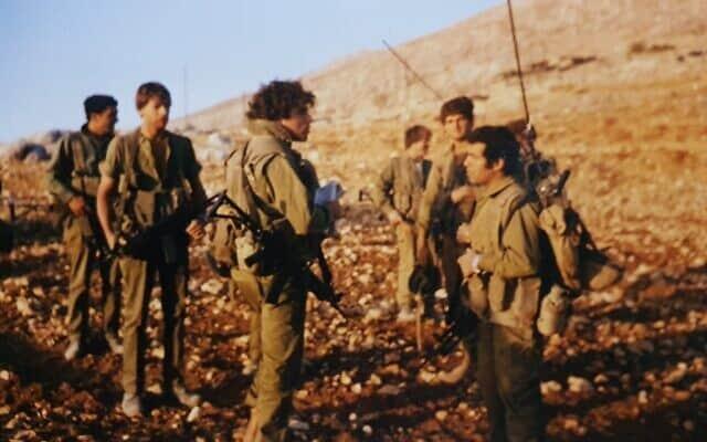המחבר ויחידתו בפעילות בג'בל ברוק, מלחמת לבנון