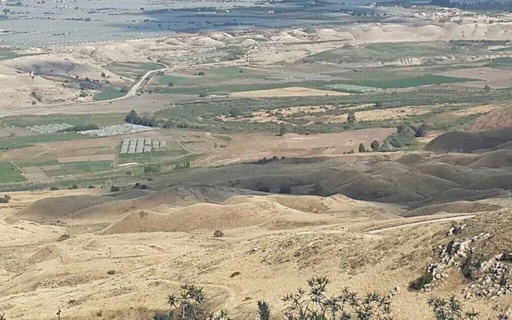 נוף מבקעת הירדן (צילום: מרכז להבה קרית שמונה, תמונה מאלבום עפרה לנקרי, מתוך אתר פיקיויקי)