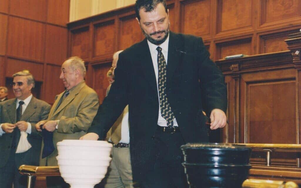פטר אקשטיין קובקס שירת בממשלת רומניה במשך כמעט עשרים שנה (צילום: באדיבות אקשטיין-קובקס)